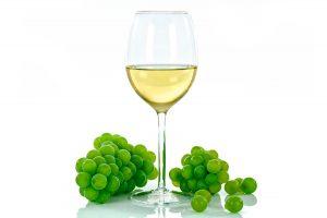 El vino blanco también existe