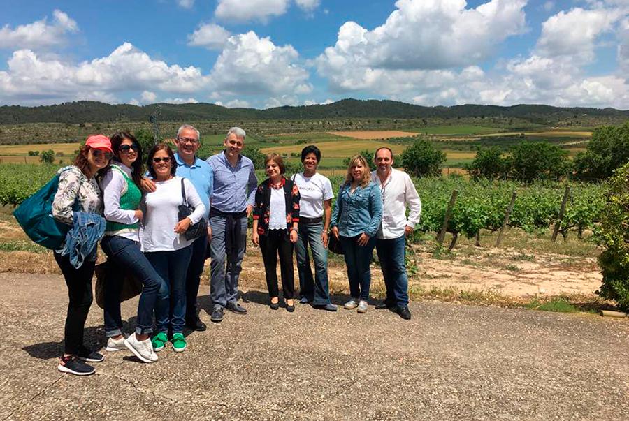 En este momento estás viendo Un octeto criollo viajando con el vino en España (Parte I)